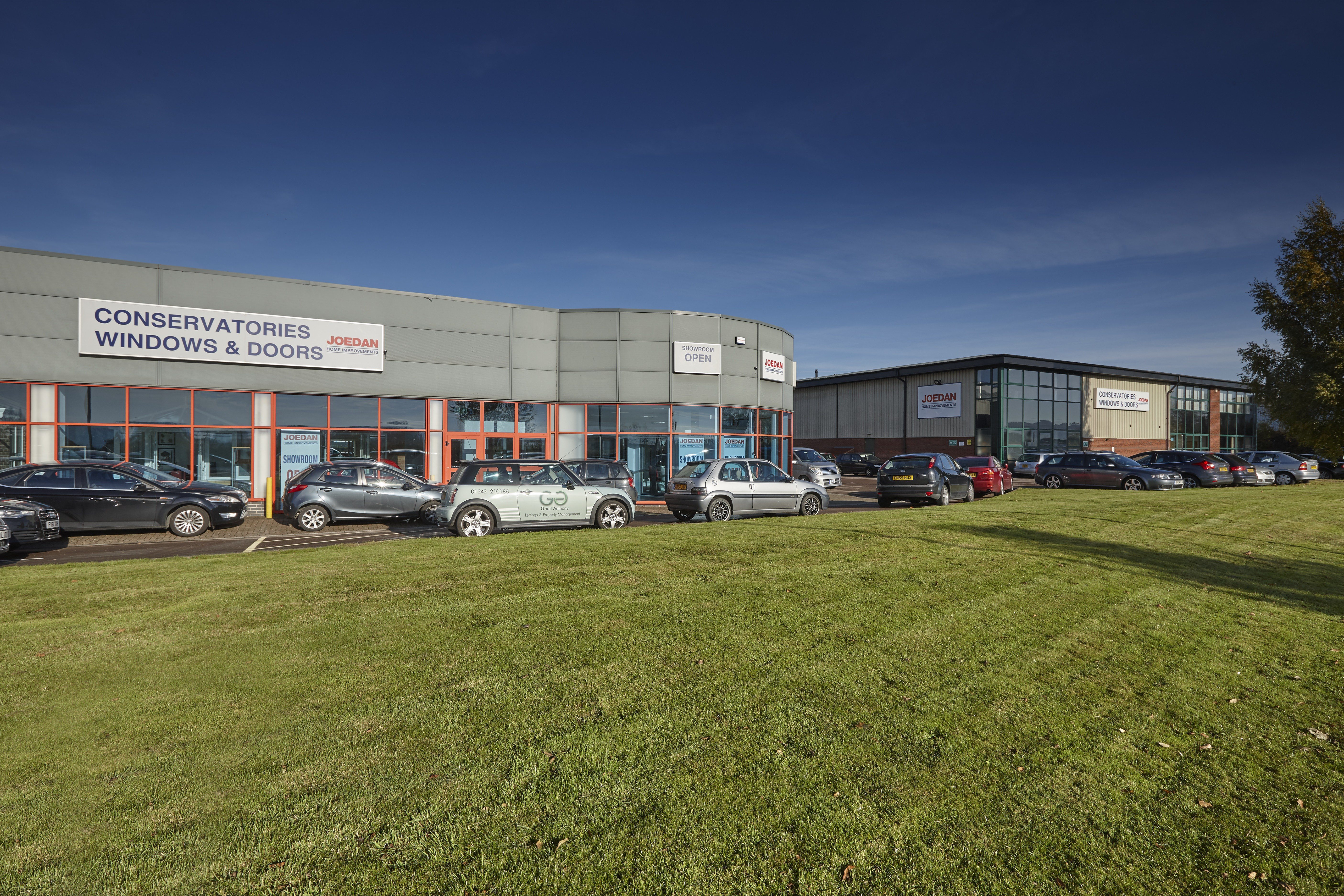 LogiKal - BMA294 Joedans showroom and factory premises near Tewkesbury